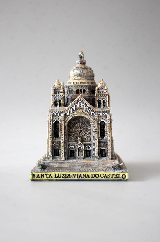 Templo de Santa Luziam em resina 9,5 cm