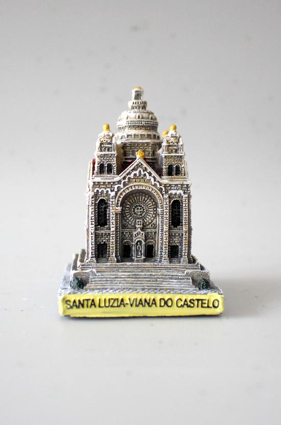 Templo de Santa Luzia em resina 6,5 cm